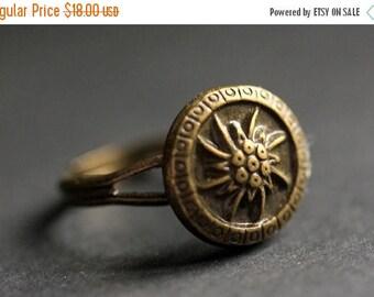 BACK to SCHOOL SALE Bronze Flower Ring. Flower Button Ring. Bronze Button Ring. Flower Ring. Adjustable Ring. Bronze Ring. Handmade Ring. Fl