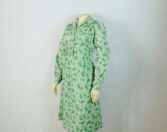 SALE Vintage Dress 40s 50s Day Dress Teal Green Leaf Print Cottony Shirtwaist Dress Side Metal Zipper Long Sleeves Modern Size Small to Medi