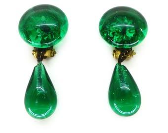 Vintage 1940s Green Glass Drop Clip On Earrings