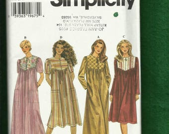 Simplicity 7454 Zipper Front Robe or House Coats Sizes XS..S..M