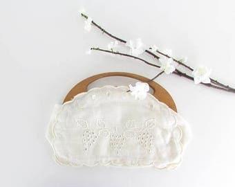 SALE White Linen Bermuda Purse - Vintage 1950s Summer Clutch Handbag