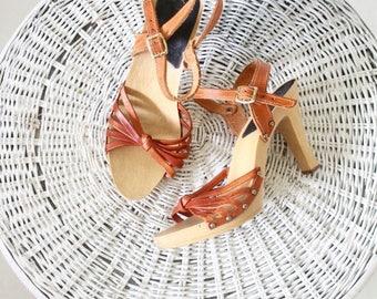 ON SALE italian leather knot heels / 7 / 1970's