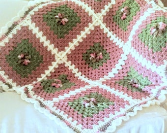 Crochet Afghan, Dusty Rose Afghan, Pin Wheel Afghan, Acrylic yarn, County Decor, Victorian Decor,