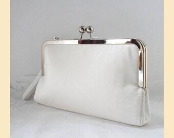 Wedding clutch bag, wristlet, ivory silk, silk bridal purse, ivory clutch, bride purse, personalisation