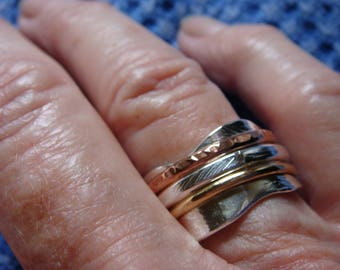 Sterling silver Spinner ring , size 9- 1 0.  Width of ring 13 mm.