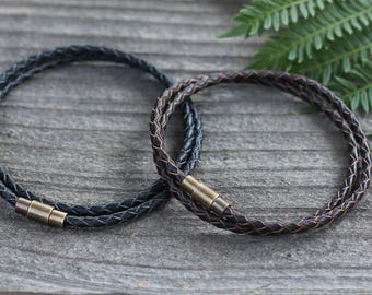 Mens Leather Bracelet, Double Wrap mens Bracelet with brass plated clasp, Mens Jewelry, Mens Bracelet, Leather Bracelet