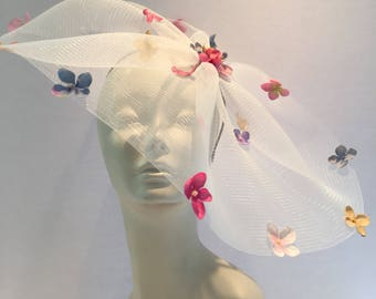 White Fascinator- Hydrangea Headpiece- Flower Fascinator- Tea Party -Floral Headpiece-  Horse race- Derby- Floral Hat- Tea party fascinator