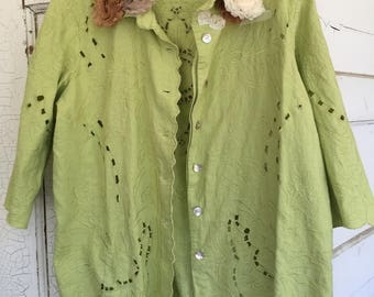 SPRING GREEN LACE Cutout Shirt/Blouse. Very Feminine, lovely colors, 3/4 Sleeves, Scaloped Edges, shabby chic roses adorn the collar. M-L.
