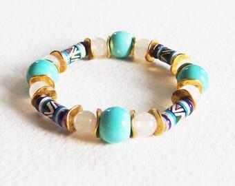 Bracelet Ethnique - Afrique Bleue - Perles Céramique, Pierre de Gemme Quartz Blanc, Métal doré - Bijoux créateur, fait-main, pièce unique