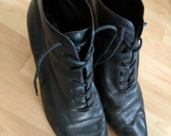 Vintage black leather victorian granny boots lace up size 9