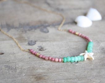 Beaded Beach necklace, Summer gemstone necklace, Colorful beads necklace, Gemstone beach necklace, Green and pink gemstone necklace