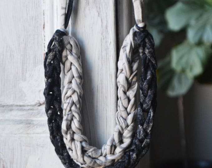 The Knit Kit | Necklace in Shades of Grey