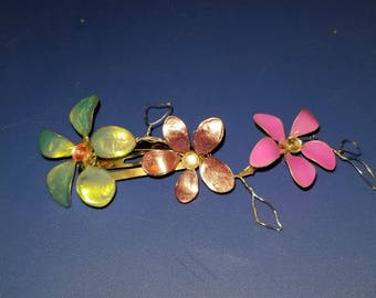 Flower hair clip in Kashi style