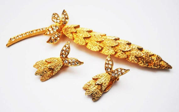 Floral Leaf Brooch earring set - Signed Ledo - Rhinestone gold -flower pin clip on earrings
