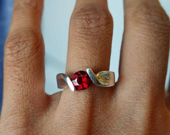 Vintage red spessartite garnet ring