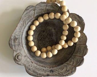 SALE! vintage wood beaded necklace