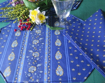 Placemats.Stain and water proof.Set of placemats.Perfect table protection.Fabric from Provence, France.Matching napkins .Paisley in blue