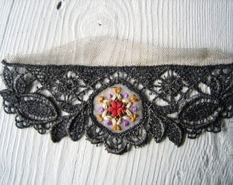 One Antique Metallic Embroidered Applique (Ref: A-4035/5 Box 7)