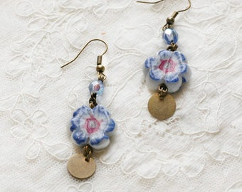 Earrings polymer clay flower-shaped blue and pink