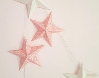 "The ""12 magic stars"" paper Garland white and pink"