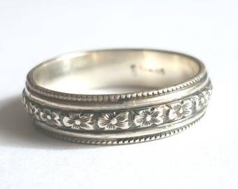 Vintage Style Ring - Men's Wedding Band - Art Deco Ring - Solid Silver Band- Women's Wedding Ring- Patterned Ring- Engraved Flourish Band