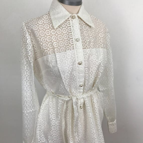 Vintage lace dress 1960s white lacy Mod shift dress boxy short bride bridal Scooter Girl Mad Men wedding UK 14 60s 1970s pearl buttons