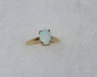 10K yellow gold opal solitaire birthstone ring size 5
