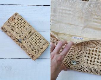 Straw Side Clutch / 1950s raffia clutch / vintage straw purse