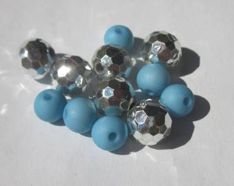 12 blue and silver acrylic 8-10 mm (PV37-5) round beads