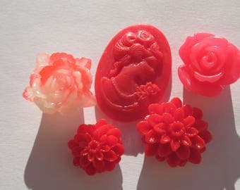 5 flowers and resin cameos to stick different (10)