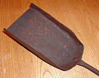 Vintage Heavy Gauge Metal Ash/Coal Shovel