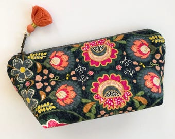 Essential Oil Bag / Essential Oil Pouch, Oil Storage Bag, Essential Oil Travel Bag/ Floral Canvas Essential Oil bag