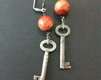 Steampunk skeleton key - antique Victorian key earrings