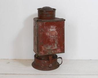Vintage Universal No. 2 Lantern - Darkroom Lantern - R.O. & C. Co.