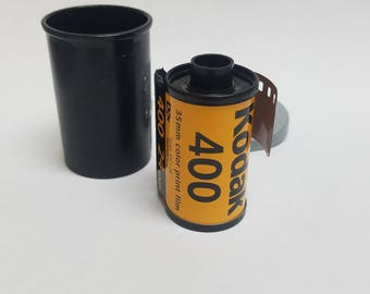 Expired 35mm Color Film  |  Single Roll | 1 Roll of Kodak 400 ISO 24 Exposure Film |  Great For Lomography  | Photographic Film