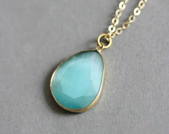 Aquamarine Necklace Blue Crystal Necklace Gold Blue Necklace Blue Pendant Minimalistic Necklace Aquamarine Jewelry Short Aqua Blue Necklace