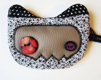 Mini-Pochette cat N 21. decorated with flowers