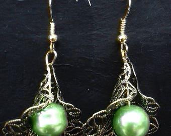 Earrings lace green cones