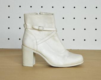 90s CANVAS booties BOHO booties BOHEMIAN booties hippie booties high heel booties white booties bride booties / Size 6.5 us / 4 uk / 37 eu