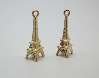 2 charms 'Eiffel Tower' gold. Size 25 X 8 mm.