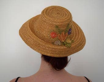 1950's Straw Summer Hat with Flowers