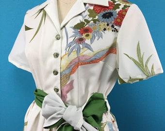 Kimono dress- US size 8- open-collared- side zipper- vintage kimono fabric