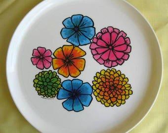 Vintage 1969 Flower Power Deka Plastics tray plate platter 13 inch round flowers floral Elizabeth NJ  No. 140 60s Pantone groovy Melmac