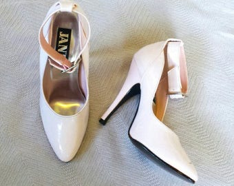 VTG jante pastel pink heels w ankle buckle strap Sz 7