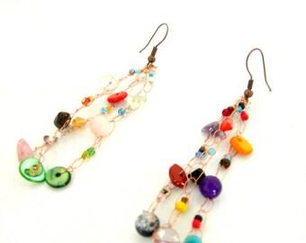 Boucles d'oreilles longues multicolores en cuivre. Cadeau anniversaire original pour femme. Bijou méditation zen chakra yoga ying yang