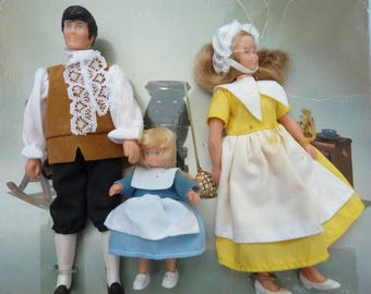 Vintage Doll House Family Mom Dad People Figures Bendable Dollhouse Accessory NOS (#601)