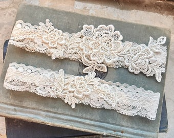 "Ivory Lace Wedding Garter Set, Ivory Garter Set, Lace Bridal Garter, Toss Garter, Simple Lace Garters - Ivory Wedding Garter Set - ""Everley"""