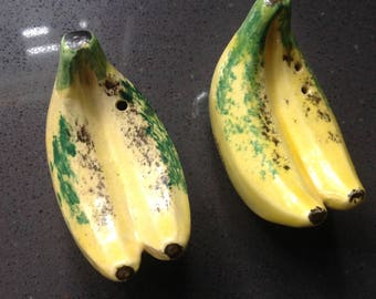 Salt and Pepper shaker - bananas