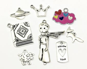 8 prince  charms antique silver and enamel # ENS A 372-2