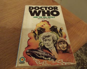 Dr Who first edition paperback 1974